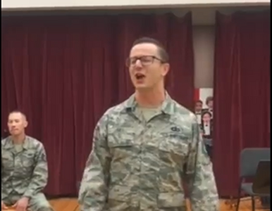 """Amerykańscy żołnierze zaśpiewali """"Ściernisco"""" braci Golec. Ten film ma..."""