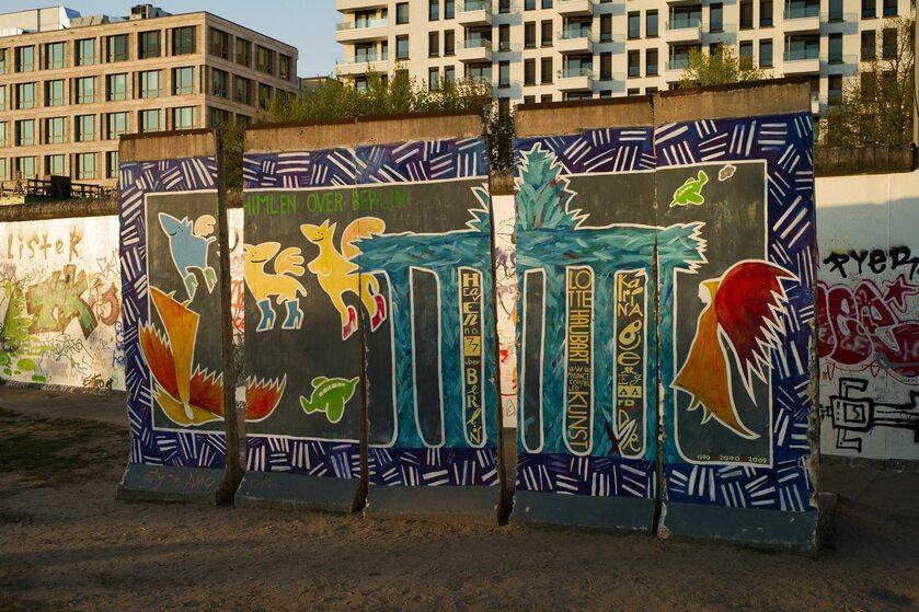 Fragment muru berlińskiego, zdjęcie ilustracyjne