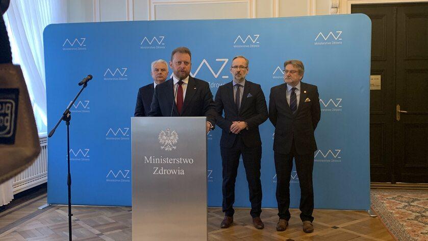 Łukasz Szumowski na konferencji prasowej