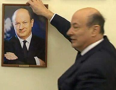 Rostowski na pożegnanie powiesił... swój portret