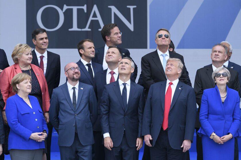 Przywódcy podczas szczytu NATO