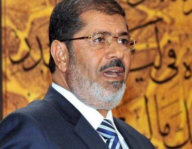 """Egipt: dziennikarz przed sądem za obrazę prezydenta. """"Zachęcał do..."""