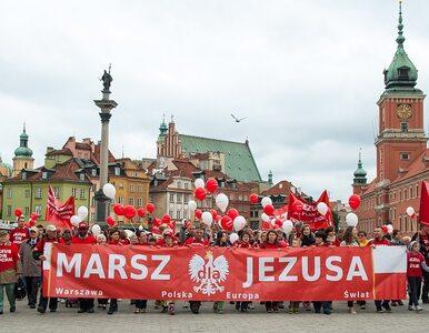 """Kilkaset ludzi na ulicach Warszawy. """"Jezus was kocha!"""""""