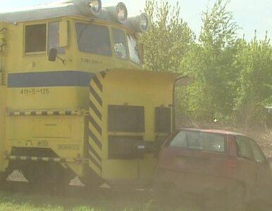 Śpieszysz się na przejeździe? Pociąg jedzie 20 km/h. Obejrzyj crash test