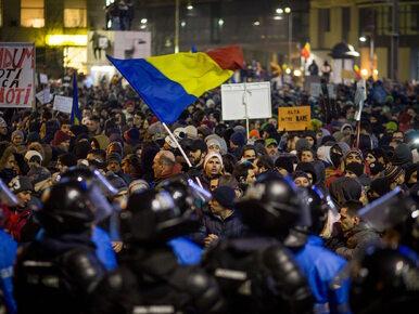"""""""Chcemy dać rządowi czerwoną kartkę"""". Kolejny dzień protestów w Rumunii"""