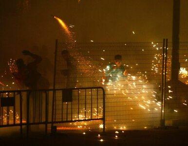 Zbłąkany fajerwerk podpalił tysiące ogni sztucznych. 28 osób rannych