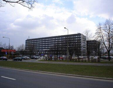 Koronawirus w Warszawie. Izba przyjęć w szpitalu na Banacha jest...