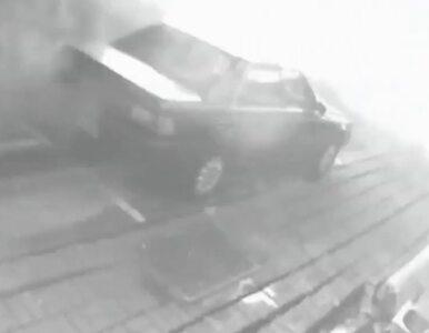 Eksplozja gazu w obiektywie kamer. Samochody w powietrzu