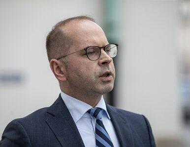 """""""Żona na zdjęciu. Kochanka ze struktur PiS w Bydgoszczy"""". Poseł Szczerba..."""
