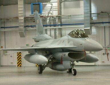Poznań: pas startowy naprawiony. F-16 znów polecą