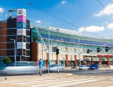 Wrocław: Ewakuowano całą galerię handlową. Przyczyną nagły pożar