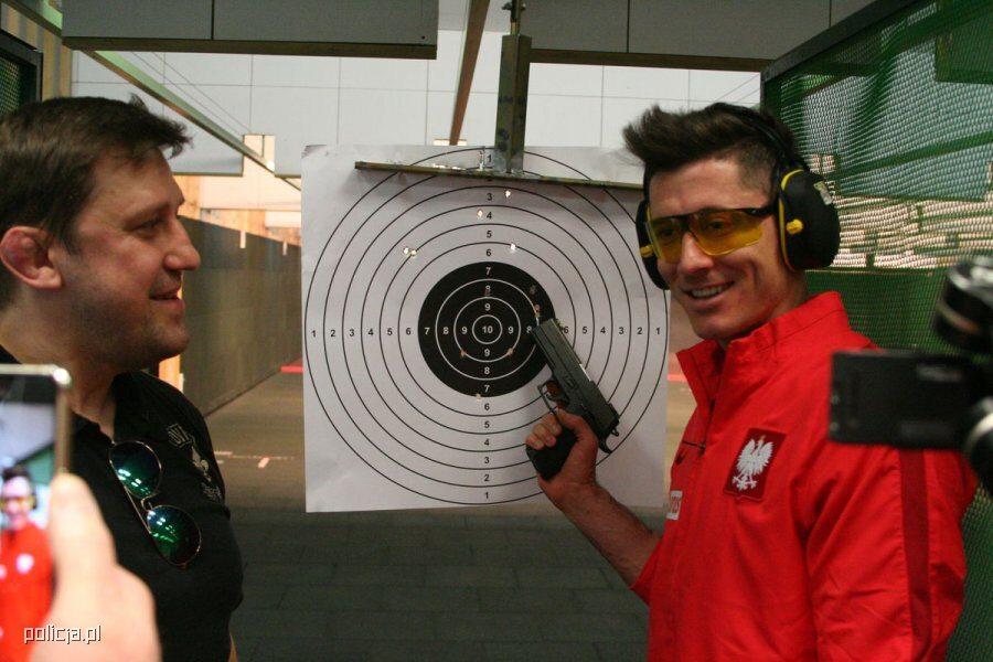 Biało-czerwoni na strzelnicy