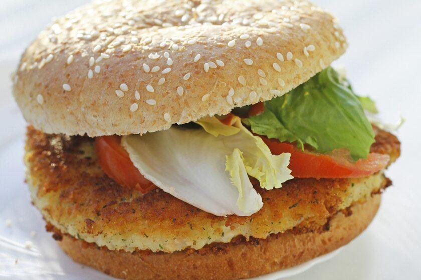 Burger wegetariański, zdjęcie ilustracyjne