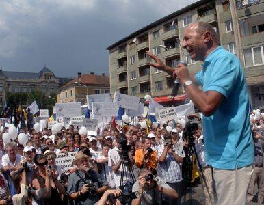 Prezydent Rumunii ocali stanowisko? Referendum w sprawie jego dymisji...