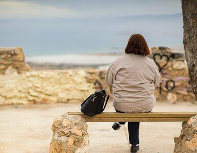 Dlaczego niektóre kobiety przybierają na wadze w okresie menopauzy?