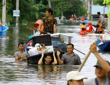 Katastrofalne powodzie w Tajlandii. 40 zabitych, gigantyczne straty, a...