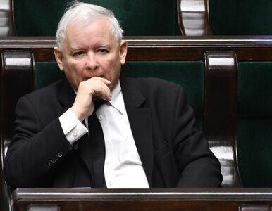 Powązki zamknięte dla odwiedzających. Kaczyński mógł jednak przyjść na...