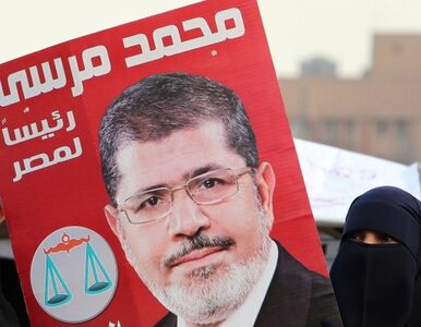 Egipt: wygrał islamista, więc... rządzić będzie armia?