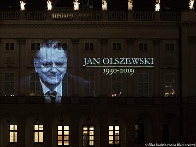 Iluminacja upamiętniająca Jana Olszewskiego na Pałacu Prezydenckim....