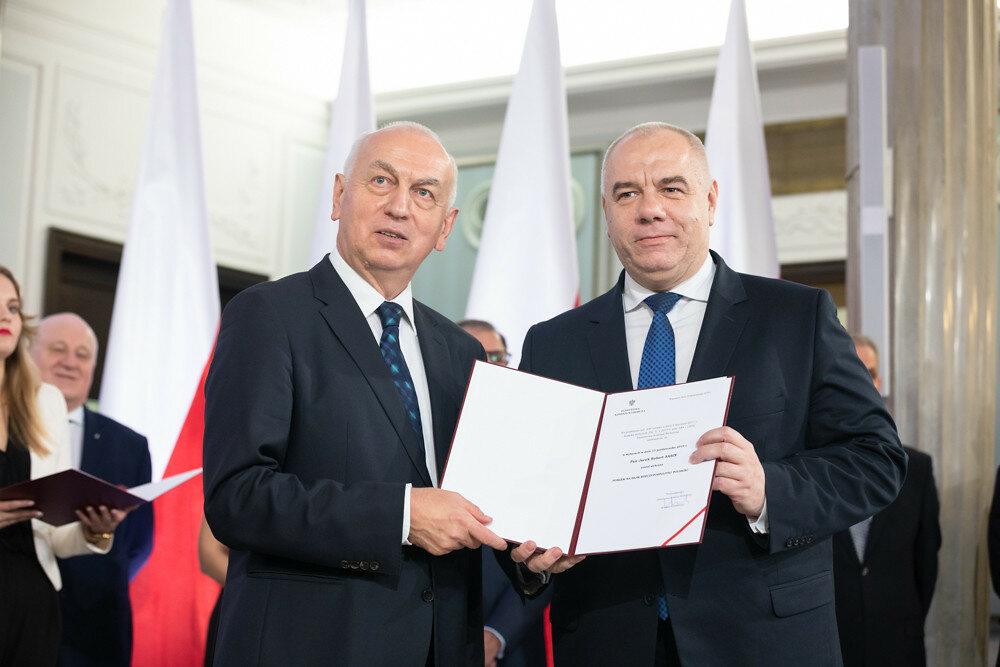 Jacek Sasin odbiera nominację poselską