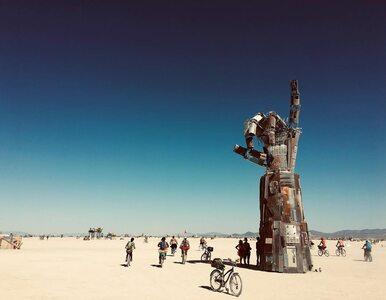 Festiwal na środku pustyni. Tajemnicza śmierć uczestnika