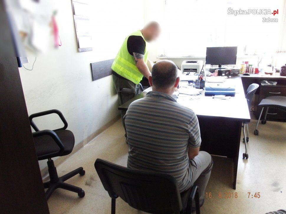 Zatrzymanie lekarza i przeszukanie jego gabinetu