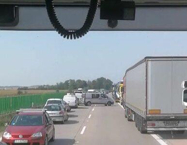 """Kierowcy blokowali """"korytarz życia"""" na A4. """"Barany po lewej stronie..."""