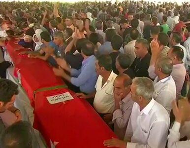 """Turcy pożegnali ofiary zamachu. """"Będziemy bronić pokoju"""""""